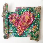 Charlotte_Olsson_Art_Konst_ recyclingart_upcyclingart_heart_skräpkonst_hjärta_tavla