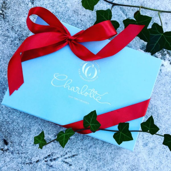 charlotte_olsson_art_design_pattern_swedishart_champagne_recyclingart_silk_exclusive_original_silkproducts_theperfectgift_christmas_valentinesday_birthday